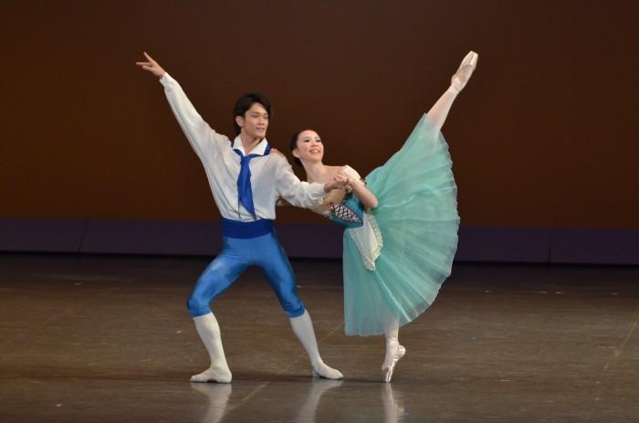 「ゼンツァーノの花祭り」よりパ・ド・ドゥ<br /> 細井七海・山田裕也(Ballet sutudio Angelique)