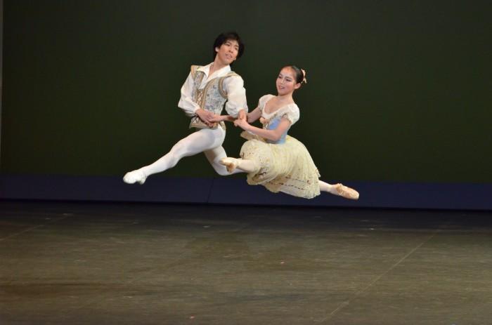 「ジゼル」よりペザントのパ・ド・ドゥ<br /> 小林朱乃・高坂美輝(Ballet sutudio angelique)