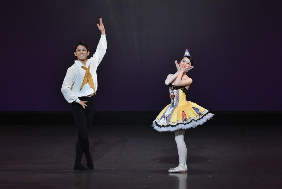 「アレルキナーダ」よりアダージオ<br /> 岩本ひめ華<br /> 山田裕也(Ballet Studio Angelique)
